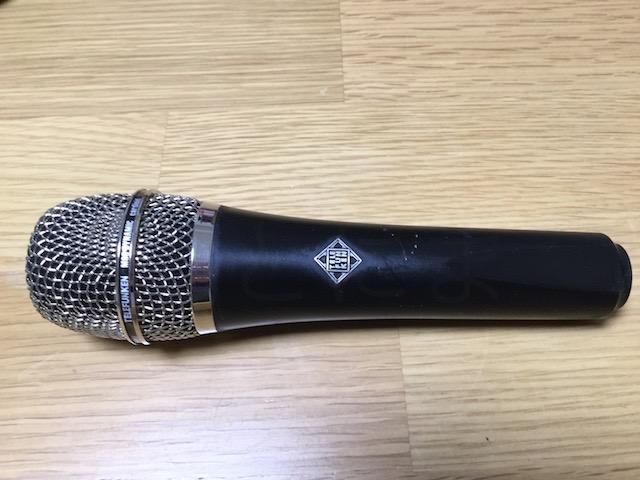 今回使用しているTelefunken M80